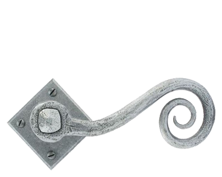 'Monkeytail' (Unsprung) Door Handles On Diamond Rosette, Pewter - 33612 (sold in pairs)