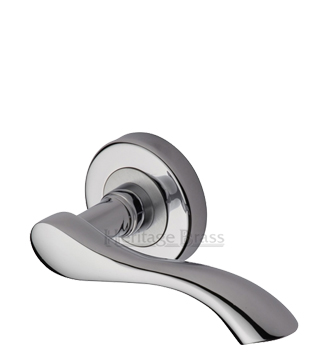 Heritage Brass 'Algarve' Polished Chrome Door Handles On Round Rose - V7210-PC (sold in pairs)