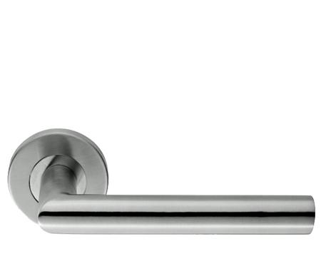 Gentil Eurospec Julian Mitred Stainless Steel Door Handles   Polished OR Satin  Stainless Steel   CSL1192 (