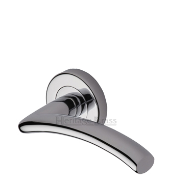 Heritage Brass 'Centaur' Polished Chrome Door Handles On Round Rose - V3490-PC (sold in pairs)